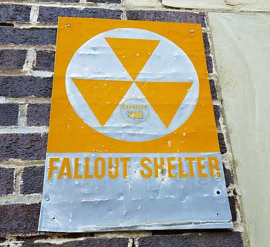 fallout-shelter-2835496 640